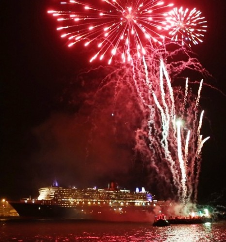 Queen Mary 2 fireworks