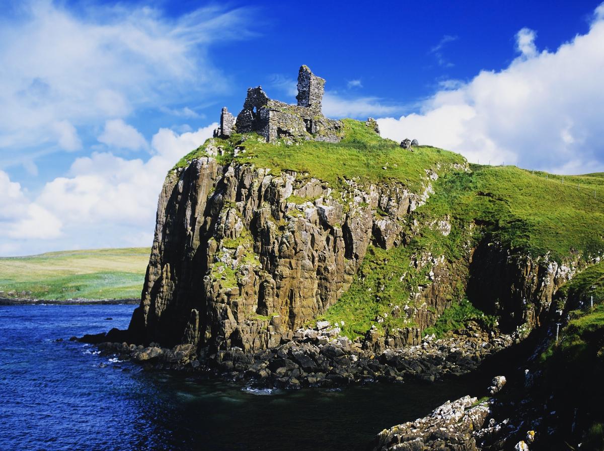 duntulm castle on the isle of skye in Scotland_shutterstock_91519853_1